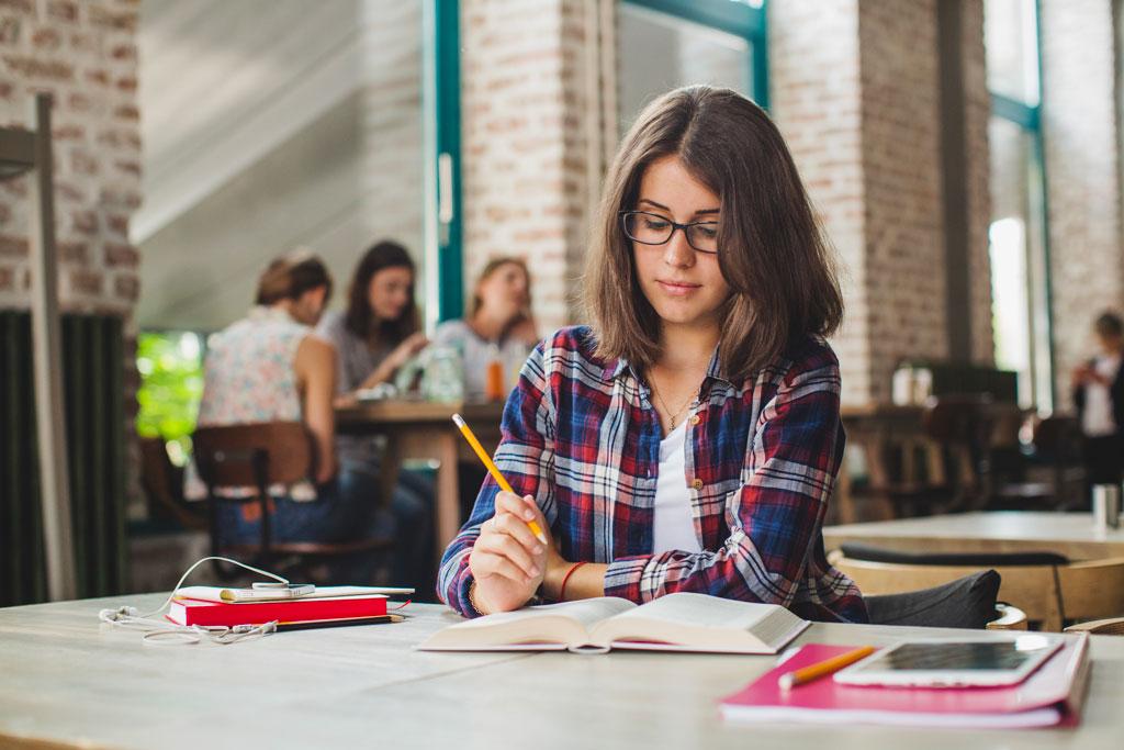 8 Benefícios que um diploma universitário vai trazer para sua vida