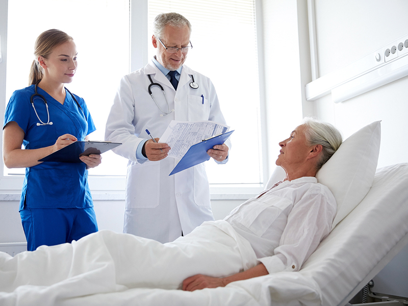 5 vantagens de fazer uma especialização na área da saúde
